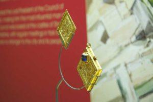 jóia exposta no museu de yorkshire